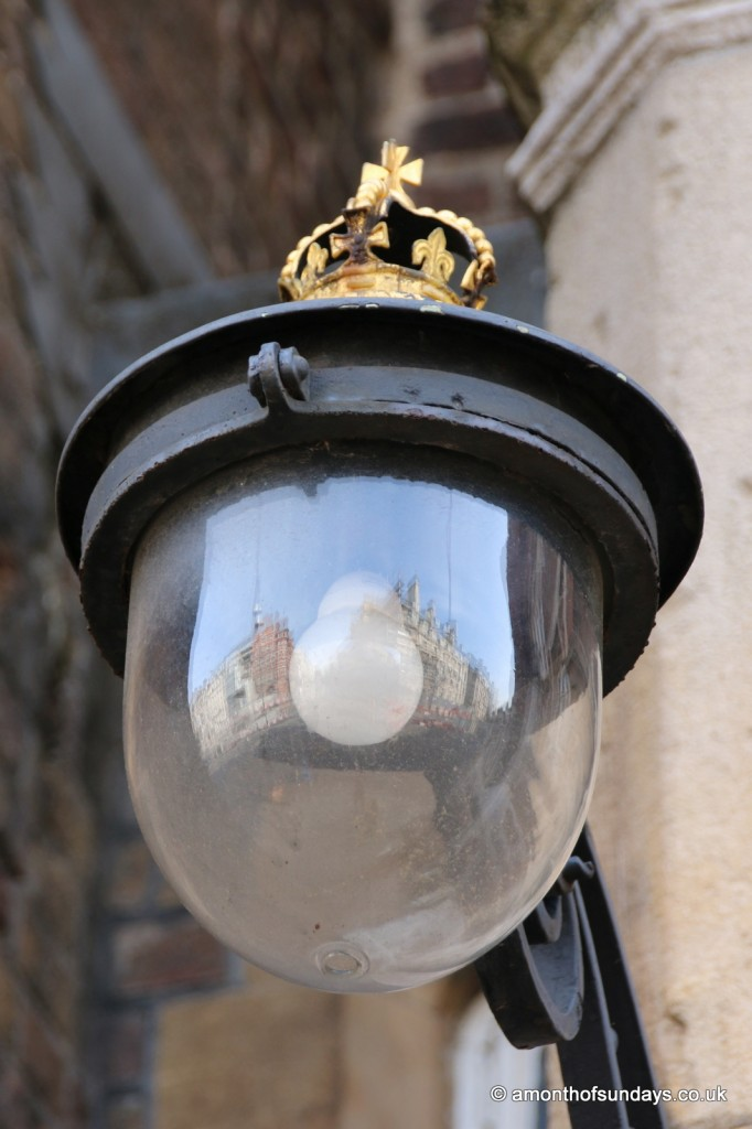 Lamp at St James's Palace