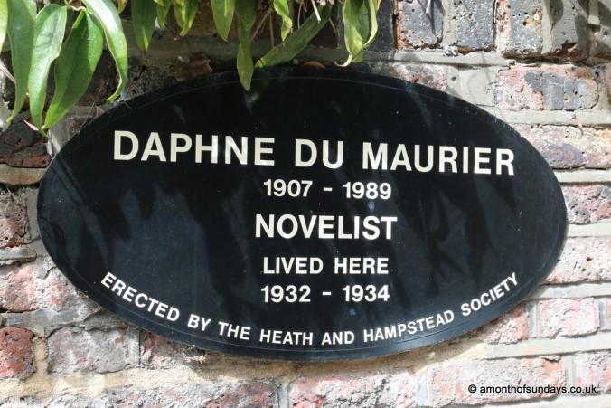 Daphne du Maurier plaque