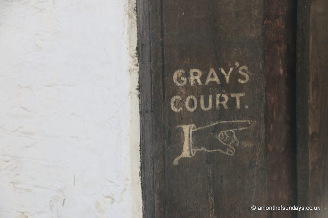 Gray's Court sign